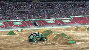 grave digger 30th anniversary monster truck monster jam singapore 2017 grave digger freestyle sakuraharuka