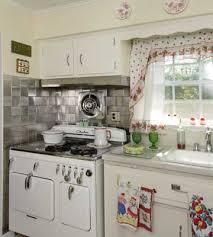 vintage kitchen ideas photos retro kitchen design decorating clear