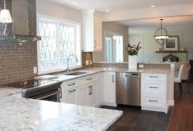 white kitchen cabinets with backsplash beauty of white ice granite