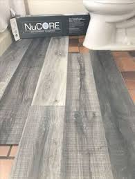 Vinyl Plank Flooring In Bathroom Vinyl Plank Bathroom Floor Budget Friendly Modern Vinyl Plank