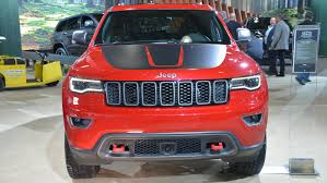 trailhawk jeep srt 2017 jeep grand cherokee trailhawk and summit debut in nyc