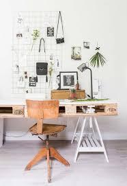 Pallet Indoor Furniture Ideas 25 Best Pallet Desk Ideas On Pinterest Crate Desk Desk And