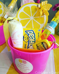 Pink And Yellow Birthday Decorations 17 Parasta Ideaa Pink Lemonade Baby Shower Ideas Pinterestissä
