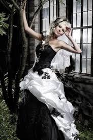 brautkleider schwarz weiãÿ hochzeitskleid in schwarz weiß lucardis feist hochzeitsmode