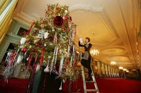 up christmas decorations when should i put up my christmas tree wales online