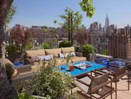 topfpflanzen balkon terrasse und balkon mit pflanzen und blumen gestalten