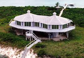 Types Of Home Foundations Beachfront Homes Oceanfront Homes Stilt Houses Stilt Homes