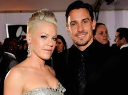 carey hart hair pink and husband carey hart expecting first baby together ny