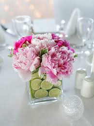wedding centerpieces for round tables centerpieces how to choose the right wedding centerpieces for