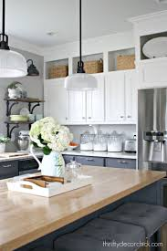 White Kitchen Cabinets With Black Island by Best 10 Cabinets To Ceiling Ideas On Pinterest White Shaker