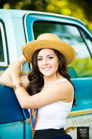 nashville photographers nashville tn senior portrait photographer lindsay