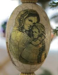 goose egg decorated for ornament photo by leslie