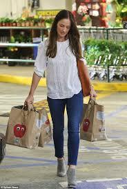 Seeking Minka Minka Turns A Trip To The Supermarket Into A Glamorous