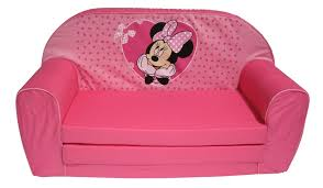 chambre enfant minnie disney canapé lit minnie coeurs doudouplanet
