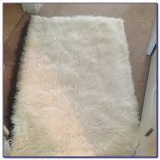 white fuzzy circle rug rugs home decorating ideas n4znr1lzqr