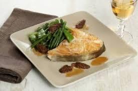 cuisine cabillaud recette de darne de cabillaud au vin jaune légumes verts et