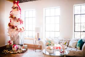 holiday styled urban loft by honeybee events aisle perfect