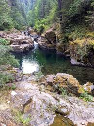 Oregon wild swimming images Best 25 swimming holes ideas us swimming falls jpg
