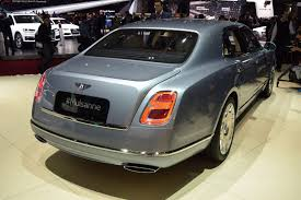 new bentley mulsanne 2017 2017 bentley mulsanne shows its new face in geneva