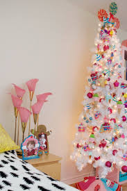 how to decorate your home for christmas how to decorate a tween u0027s room for christmas with an ice cream