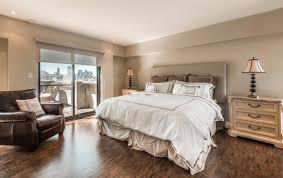 chambre habitat ce condo du vieux port de montréal est en vente à 1 175 000 l