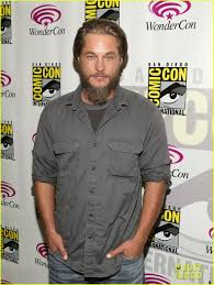 travis fimmel hair for vikings travis fimmel from calvin klein model to vikings star photo
