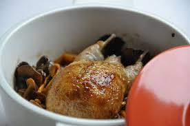 cuisiner des cailles en cocotte la cocotte de caille aux flageolets et chanterelles d automne