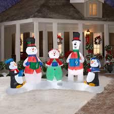 charming winter yard decors