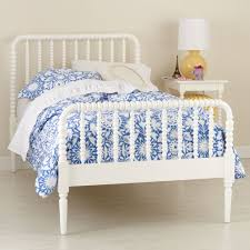 Jenny Lind Crib Mattress Size by Jenny Lind Crib Antique White Creative Ideas Of Baby Cribs