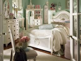 chambre style vintage schlafzimmer gestaltung shabby chic cremeweiße möbel shabby chic