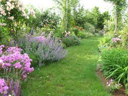 Country Backyards Country Landscape Design Ideas Also Consist Of Routes And