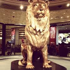 gold lion statues 55 best mgm lion images on lion animals and amigos
