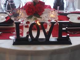 valentines day table runner decorations and roses arrangement with