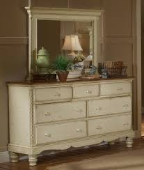 hillsdale wilshire 5 piece poster bedroom set in antique white