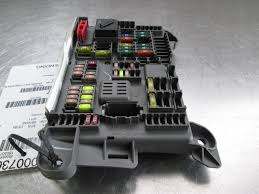 Bmw X5 E70 - trunk fuse box relay terminal block 693168704 bmw x5 e70 2007 13