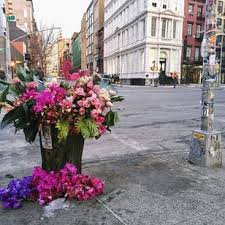 flowers nyc this floral designer is turning nyc trash cans into gorgeous