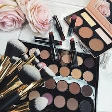 Vanity Box Makeup Artistry Makeup Find And Save Must Have Latest Makeup Trends On We Heart It