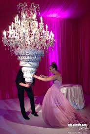 wedding cakes near me kaley cuoco s chandelier cake the butter end cakery