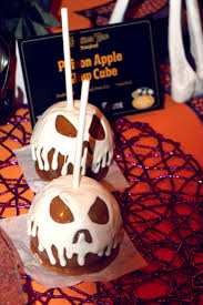 8 things you must eat or drink at disneyland during halloween time