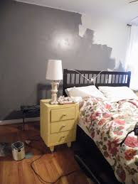What Color Goes Best With Yellow Yellow And Gray Bedroom White Bedding Grey Living Room Walls