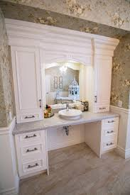 Vanity Bathroom Ideas by Best 10 Handicap Bathroom Ideas On Pinterest Ada Bathroom