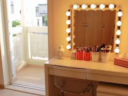 Light Up Vanity Desk Bedroom 12 Stunning Vanity Table With Mirror And Lights 89 On