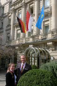 Das Wohnzimmer Bar Wiesbaden Constantin Und Julia Von Deines übernehmen Hotel Nassauer Hof