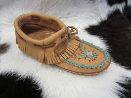 thunderbird mountain trading company huron wendat indian moccasins