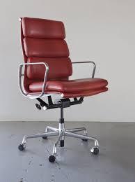 Herman Miller Aeron Executive Chair Sit4life Com Eames Soft Pad Executive Chair Ea437
