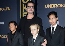 brad pitt enjoyed u0027cordial u0027 christmas visit with kids despite
