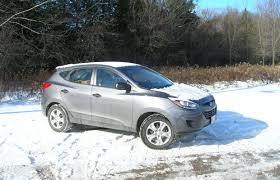 hyundai tucson 2014 price suv review 2014 hyundai tucson gl fwd driving