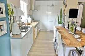 cuisine bois blanchi table cuisine bois blanc excellent decoration de cuisine en bois