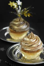 best 25 gold cupcakes ideas on pinterest glitter cupcakes 21st