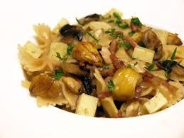 cuisiner les chataignes pâtes aux châtaignes lardons et chignons cookismo recettes